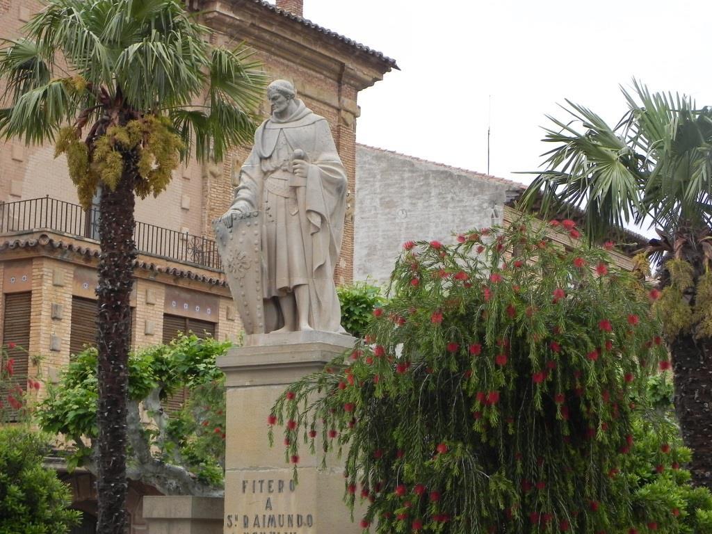 San Raimundo estatua Paseo web